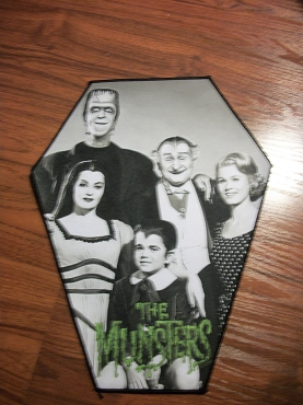 THE MUNSTERS HUGE COFFIN BACK PATCH EXCLUSIVE TO GHOULISH GOODIES ( ONLY 2 LEFT!)