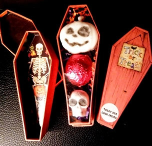 SMALL COFFIN SOAP AND BATH BOMBS GIFT SET (ORANGE COFFIN)