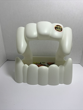 HUGE GLOW IN THE DARK VAMPIRE TEETH FANGS CANDY BOWL